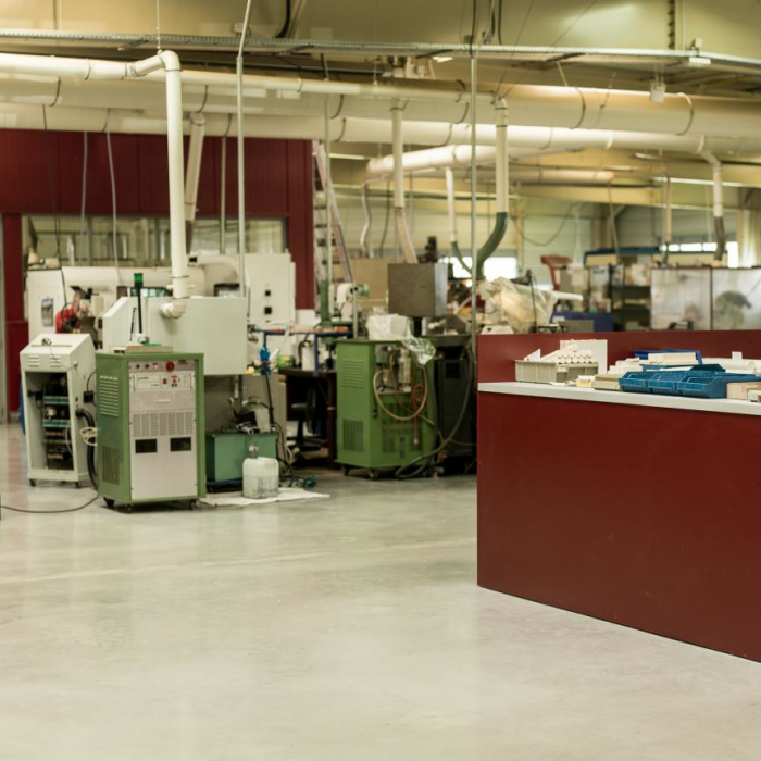 Usinage des céramiques et matériaux durs - Panorama atelier - Groupe Rubis Précis