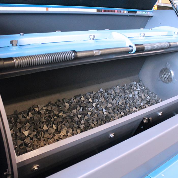 Ebavurage en tonneau - Cuve PX300 et abrasifs - SPK Solutions