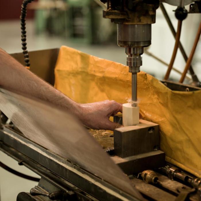 Usinage des céramiques et matériaux durs - Carrotage matière - Groupe Rubis Précis
